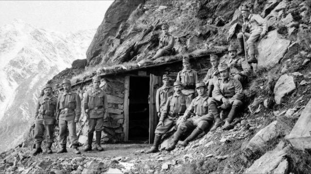 Die Ultener Standschützen auf der Cima Fratta Secca in Welschtirol (Tonale-Gebiet)